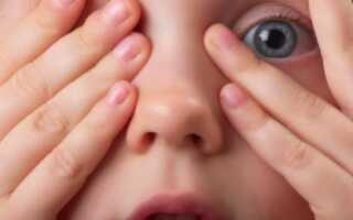 Почему ребенок часто моргает глазами причины и лечение?