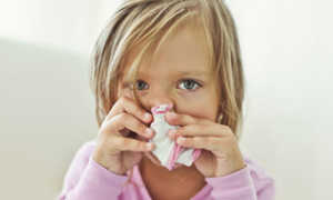 Сопли без температуры у ребенка как лечить