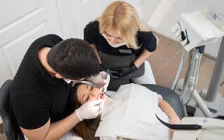 Больно ли лечить кариес на передних зубах